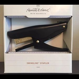 Hearth and hand swingline stapler